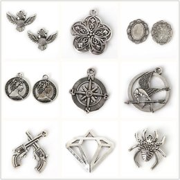 Wholesale Make Jewlery - New Arrival 200pcs bag Spider Owl Gun Anchor Redbud Charms Pendants Electroplate Antique Silver Color For Women Jewlery DIY Making