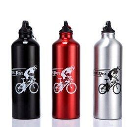 2019 bouteille d'alliage d'aluminium de bicyclette Boucle de montagne en alliage d'aluminium support de tasse tasse extérieure vélo tour 750ML bouteilles d'eau bouilloire en métal tasses OOA1877 bouteille d'alliage d'aluminium de bicyclette pas cher