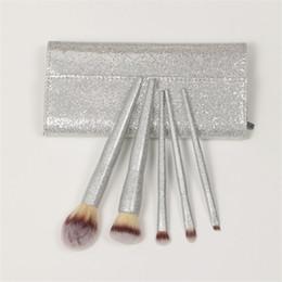 Set di pennelli di trucco di buona qualità online-Buona qualità 5 pz / set pennelli trucco professionale argento lucido perlescente spazzola di bellezza con pu caso pincel maquiagem