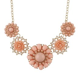 Wholesale Colorful Rhinestone Statement Necklaces - New Fashion Designer Jewelry Fashionable Gold Color Alloy Colorful Imitation Gemstone Flower Shorts Women Statement Necklace
