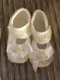 Wholesale Ivory Baby Booties - Baby Girls Christening Shoes Booties Party Ivory Satin shoes Diamonds Pearls