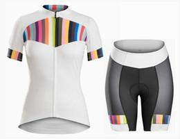 Женские велосипедные майки онлайн-Женская команда Pro Велоспорт Джерси и шорты дышащий ropa Ciclismo mujer комплекты 2019
