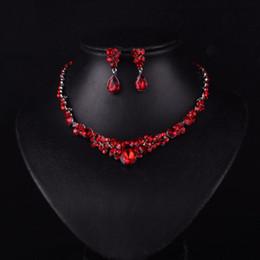 Nouveau style coréen Red Color Fashion strass Crystal mariée Boucles d'oreilles et collier Parures de bijoux Accessoires de mariage ? partir de fabricateur