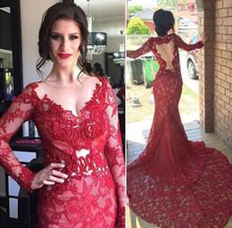 Vermelho puro ver o vestido on-line-2017 vestidos de noite de renda vermelha ver através de mangas compridas sereia sheer neck neck backless appliqued árabe longo partido vestidos de baile