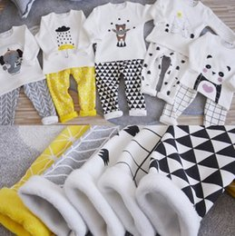 Wholesale Cute Yellow Outfit Boy - 2016 European Style Ins Fashion Children Girls Boys Animal Cartoon Long Sleeve Tops + Pants 2 pcs Homesuit Outfits Wear Thicken Warm B4387