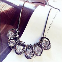 Wholesale Gold Chain Short Choker Necklace - 2017 hot sale vintage luxury bright Crystal rhinestone choker necklace short paragraph fashion accessories exaggerated necklaces jewelry
