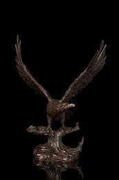 2019 águila de oro americana Firmado Barye Flying American Eagle Art Deco Bronce Escultura Estatua Estatuilla NR Garden Decoration 100% real Brass Bronze águila de oro americana baratos