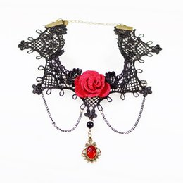 2019 gargantillas de rubí Gargantillas de moda collar de encaje sexy de moda con el encanto de la flor de Rose y la joyería del cuello colgante de gema grande Rubí negro para el banquete de boda gargantillas de rubí baratos