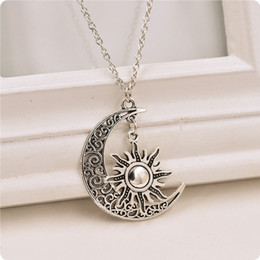 Wholesale Moon Necklace Colors - 2 Colors New A Song of Ice and Fire Necklace Moon And Sun Pendant Alloy Necklace Fashion Movie Jewelry