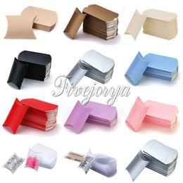 2019 travesseiros de doces por atacado Atacado-50pcs Pillow Candy Box PVC cartão 5-8 doces capacidade de decoração de casamento Sweets Gift Pouch colorido travesseiros de doces por atacado barato