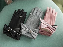 Wholesale Glove Bow - new product Elegant pearl ladies wool gloves Thicken and keep warm Lovely bow tie Finger separation Touch screen, Girl gift glove