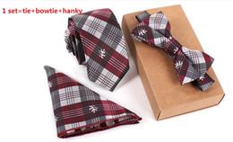 grossistes cravates pour hommes bowties Promotion Mode 32 styles affaires cravates + noeud papillon + mouchoir ensemble broder polyester cravates rayures Polka Dots vintga cravates