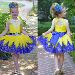 Argentina Lovely Kids Princess Short Tutu vestido amarillo con cinturón Corsé de encaje azul Volver Apliques Hasta la rodilla Niñas Vestido de baile de graduación Suministro