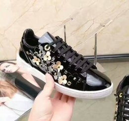 Wholesale Trend Leather Casual Shoes - Luxury Brand Patent leather trend of Women's casual shoes Flower Leather Flats Sneakers Girls shoes Top Quality Fashion Shoe pring Copper