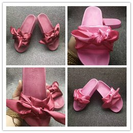 Wholesale Best Beach Shoes - Leadcat Fenty Rihanna Shoes Women Slippers Indoor Sandals Girls Fashion Scuffs Pink Black White Grey Fur Slides Without Box Best Quality