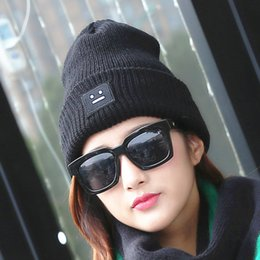 Wholesale Knitting Face - New Womens and mens Fashion Smiling Face Cap Tuque Femme Knitting Beanie Hats Warm Winter Hat His-and-Hers hat