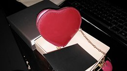 Wholesale Heart Wallets - Brand New High-quality Small Heart Zipper wallet women Genuine varnish leather Wallet Mens pocket money Wallets card Coin Purse With box