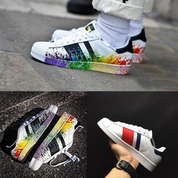 Wholesale Ink Cheap - 2017 New Cheap Superstar 80S Men Women Casual Shoes Skate Shoes 23 Color Rainbow Splash-ink Fashion breathable Shoes us 5-11