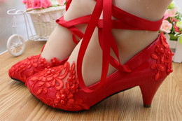 Zapatos de la boda del sexo Bailarina Tobillo plano lazo de la cinta Encantadora perla Encaje bordado de la flor Zapatos de dama de honor desde fabricantes