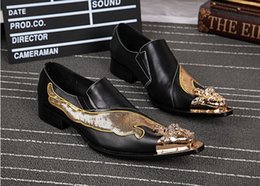 Wholesale Gold Metal Pointed Shoes - Handmade Mens Dress Shoes Gold Dragon Genuine Leather Men Pointed Metal Tip Fashion Glitter Party Shoes