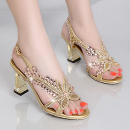 Wholesale chunky heel dress shoes - Summer 2017 New high-heeled sandals with shoes female han edition sandals crystal sexy set auger banquet wedding shoes Rome