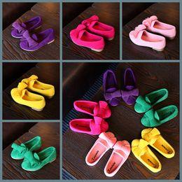Zapatos de bebé dulces online-Zapatos del bebé de algodón zapatos para niños casual con Bowtie del Arco-nudo sólido Zapatos muchachas del caramelo de color zapatillas de deporte de los niños suave 21-30