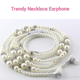 Wholesale Stereo Chain Necklace - Luxury Bling Diamond Pearl Necklace Chain Earphone Stereo Earphone With Mic For iphone 6 6s samsung Microphone Trendy Earphones