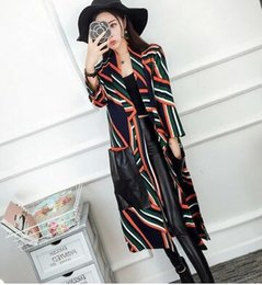 Wholesale Cheap Ruffle Coat - New Arrival Hot Sale Fashion Noble Female High Quality Show Large Pockets Cheap Stripe Tide Restoring Ancient Noble Long Trench Coat
