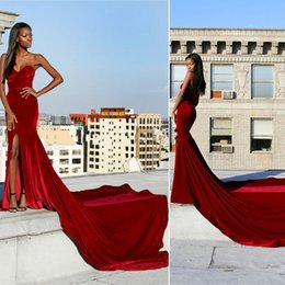 robe de célébrité train de balai sexy sweetheart Promotion Hot 2017 Bourgogne Velvet Robes de bal Sweep Train Front Split Sweetheart Backless Robes de soirée Red Carpet Celebrity Dresses