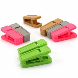 Wholesale use tie - Resuable Tie Clip Universal Wet And Dry Clothes Hangers Easy To Use ABS Plastic Clothespin No Trace 0 38xg B