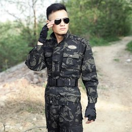 Wholesale Army Men Clothes - New Style Men Outdoor Sport Suit Army Green Clothing Camouflage Suits Wear Cotton Uniforms Service Training Sets Hooded Jacket+pants