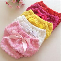Wholesale Wholesale White Diaper Covers Bloomers - Chic Valentine's Day Baby Girls Bloomer Rose Newborn Diaper Cover Valentine Rose Baby Shorties with Bow My first Valentine
