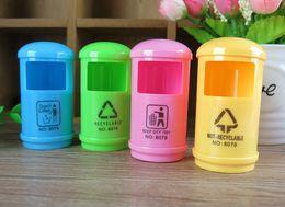 gabinetes coreanos Desconto Papelaria coreano Bonito Apontadores de Lápis Gabinete De Lixo De Plástico Cor Aleatória Escritório Material Escolar Acessórios de Mesa Kawaii Papelaria