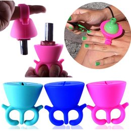 Wholesale Nail Polish Bottle Holder - Flexible Durable Wearable Silicone Polish Stand Bottle Holder Display Rack Ring Fit All Fingers Nail Art Manicure Tool Salon Pro