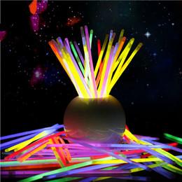Wholesale Glow Sticks Rave Wholesale - LOT 100 8 inch 12 Hours Glow Sticks Bracelets Necklaces Neon Colors Party Favors Disco Rave Rock