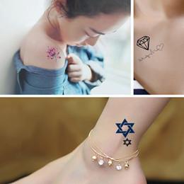 2019 disegni di arte 3d 2017 NUOVI Modelli 300 tatuaggio temporaneo impermeabile tatuaggio tatoo henné adesivi tatuaggio flash finti tatto piccione di pace Tatuaggio sexy incolla