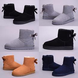 2019 pajarita negra mujer 2018 Nuevo WGG Australia Botas de nieve Clásicas de Alta Calidad Mujeres baratas Pajarita Botines de invierno zapatos de descuento de moda negro gris azul marino pajarita negra mujer baratos