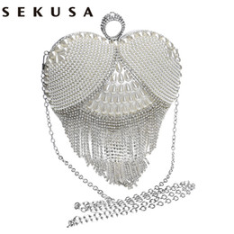 Wholesale Clutch Bag Ring Handle - Heart design tassel rhinestones women evening bags imitation pearl lady's handle evening bag finger ring diamonds small clutches