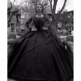 2019 lentejuela perla cuadrada Vestidos de boda del vestido de bola del gótico negro Apliques de manga larga del cuello cuadrado Vestido de novia con las lentejuelas Perlas con gradas faldas Vestido de boda rebajas lentejuela perla cuadrada