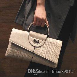 Wholesale Large Envelope Handbags - Handbags ladies large capacity simple portable bag 2017 new female handbag small package banquet bag Messenger bag