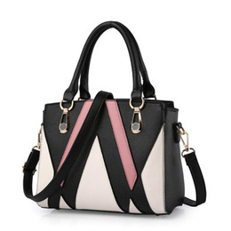 Wholesale Wild Totes - Class Ladies Handbags Totes Bag Fashion Women Geometric Handbag Wholesale Two-tone Version Wild Girl Shoulder Bags Messenger Bag Female