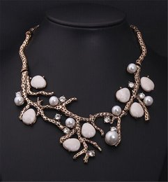 Wholesale Pearl Branches - Euro-American Fashion Style Gold Color Vintage Personalized Jewelry Pearl Branch Spray Statement Necklaces Pendant Costume Jewelry Wholesale