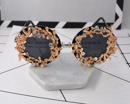 Pescado de metal vintage online-Señoras Vintage Metal Fish Gafas de sol Baroque Brand Exagerado Gafas de sol Luxury Sun Beach Gafas Metal Tridimensional Gafas
