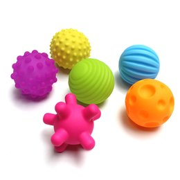 Wholesale Hand Massage Balls - 4&6pcs Textured Multi Ball Set develop baby's tactile senses toy Baby touch hand training ball Massage soft ball