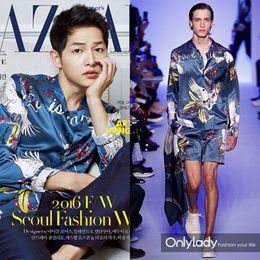 Wholesale hot cranes - HOT 2017 Autumn winter Harajuku Medusa gold chain Dog Bazaar cranes print shirts Fashion Retro sweater Men long sleeve tops Silk shirts