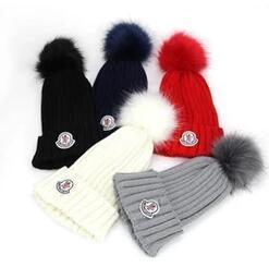 2019 fios de confecção de malhas extravagantes Hot Unisex Marca de Inverno da marca de moda mulheres chapéu de malha dos homens gorros grande pele pom-pom gorro menino casual meninas de esqui tampas do crânio frete grátis