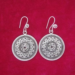 Wholesale Traditional Folk Crafts - The traditional folk style ancient palace handmade earrings pinch filigree craft retro Miao Silver Earrings bronze tablets