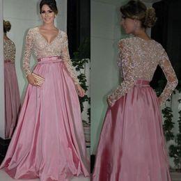 2019 vestido da noiva da mãe do tafetá da forma Elegante Com Decote Em V Mãe do Vestido de Noiva Faísca Lantejoulas Rendas Apliques Saudita Árabe Vestidos de Festa de Casamento Charme A Linha de Cetim Vestido de Noite