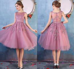 Wholesale Green Designer Dresses - 4 Colors 2017 New Arrival Little Red Short Prom Dresses Knee Length Lace Applique Illusion Back Cocktail Dresses Short Bridesmaid Dresses