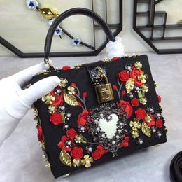 Wholesale Hand Embroidery Bag - The new big show with a European style palace retro luxury diamond hand handle Nathan dinner bag bag